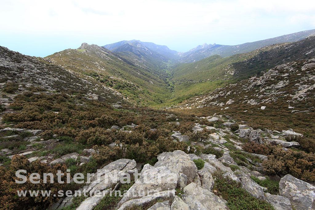 Da pomonte al monte capanne for Cabine di cresta antler